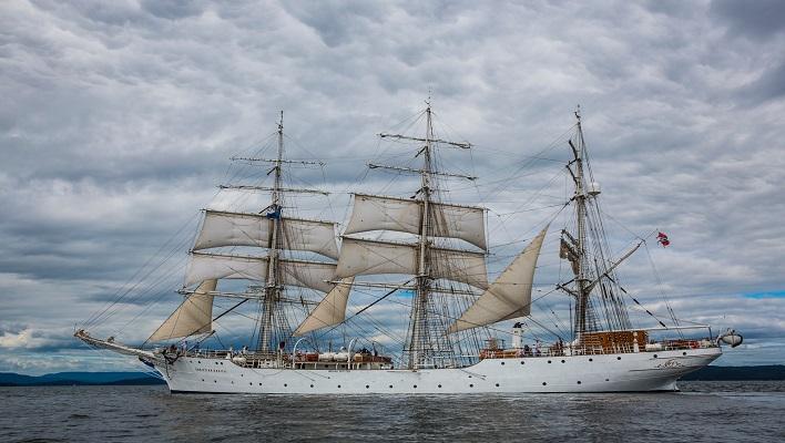 Becas de la Escuela Naval.